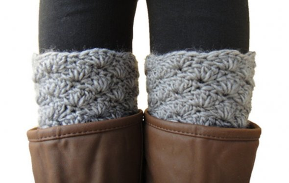 Scallop Edge Gray Crochet Boot