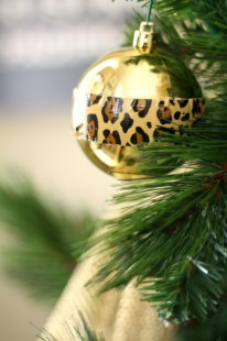 A DIY cheetah ornament