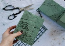 Christmas Craft Ideas: Cutting Floral Foam for Wreath Alternative Project