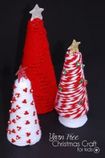 Yarn Tree Christmas Craft for Kids {OneCreativeMommy.com} Have fun creating together, and then display your project every year! Christmas Decor and Kids Craft Idea